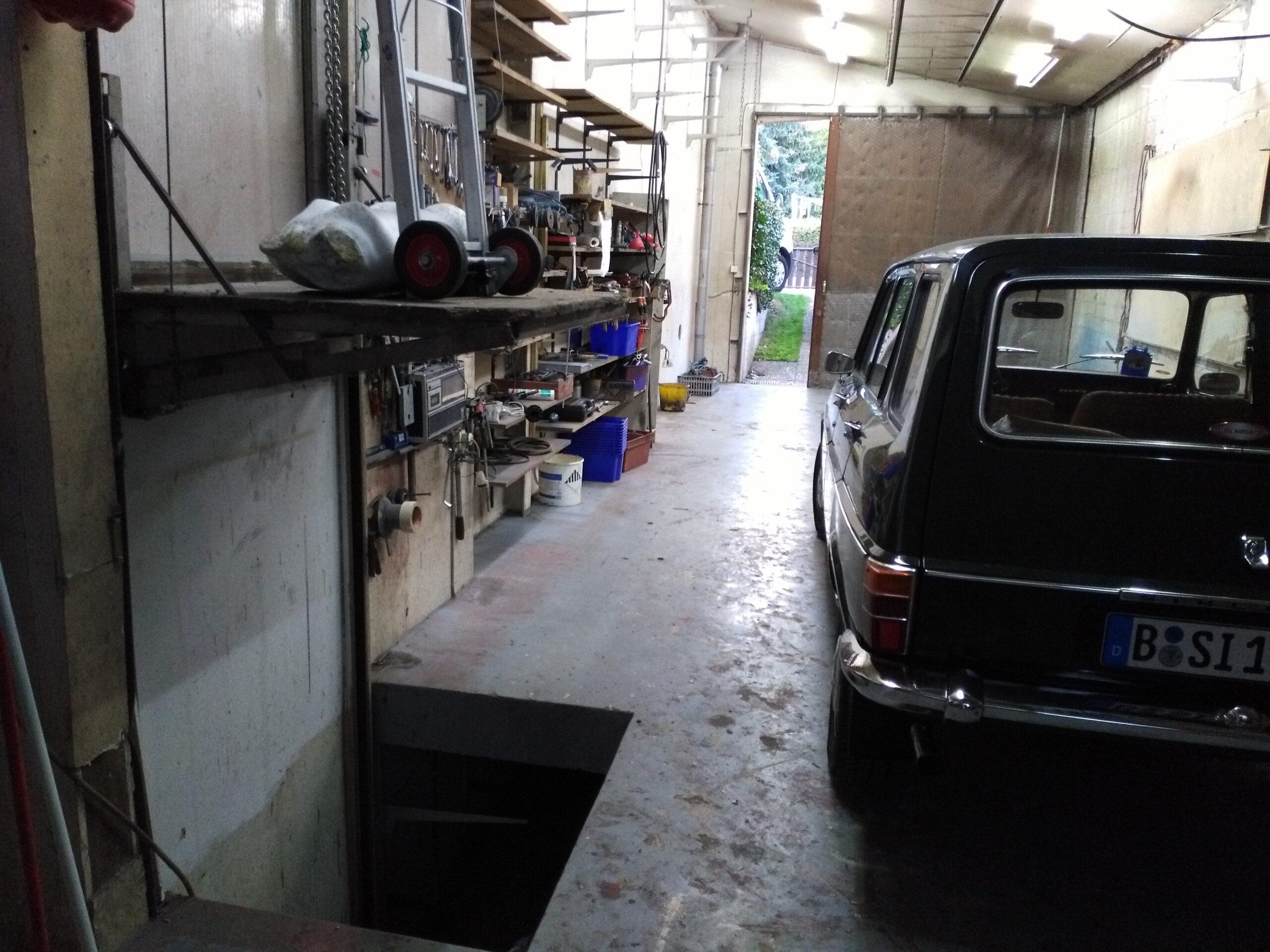 Die Garagen Galerie vor der Renovierung. Zur Wiedereröffnung können Sie vergleichen.